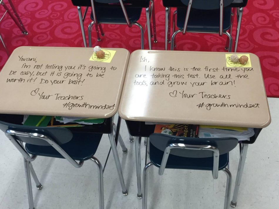 teacher-turns-desks-into-notes-of-inspiration
